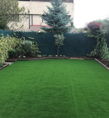 Jardines cesped artificial cesped artificial jardin for Piscinas mutilva